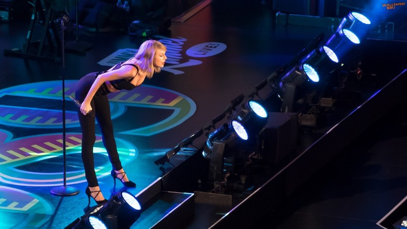 Mulher Linda Taylor Swift 1600x900 77
