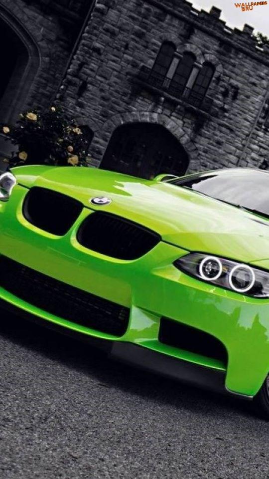 Carro muito lindo na cor Verde BMW 540x960